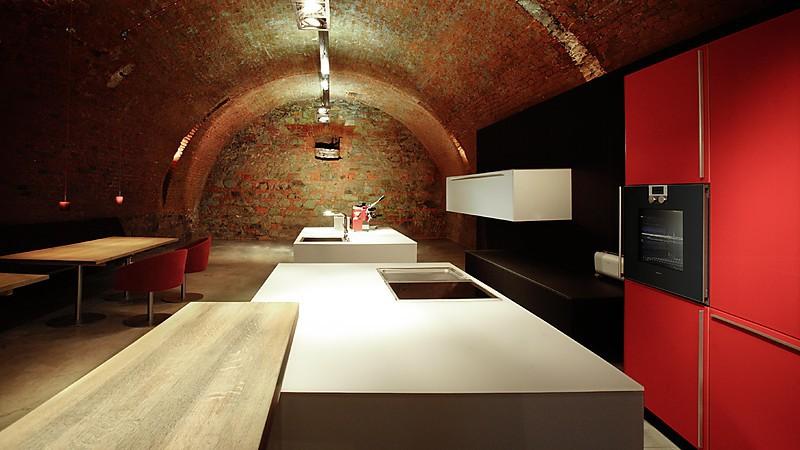 ausstellungsk chensuche 3 4 das portal f r g nstige ausstellungsk chen. Black Bedroom Furniture Sets. Home Design Ideas