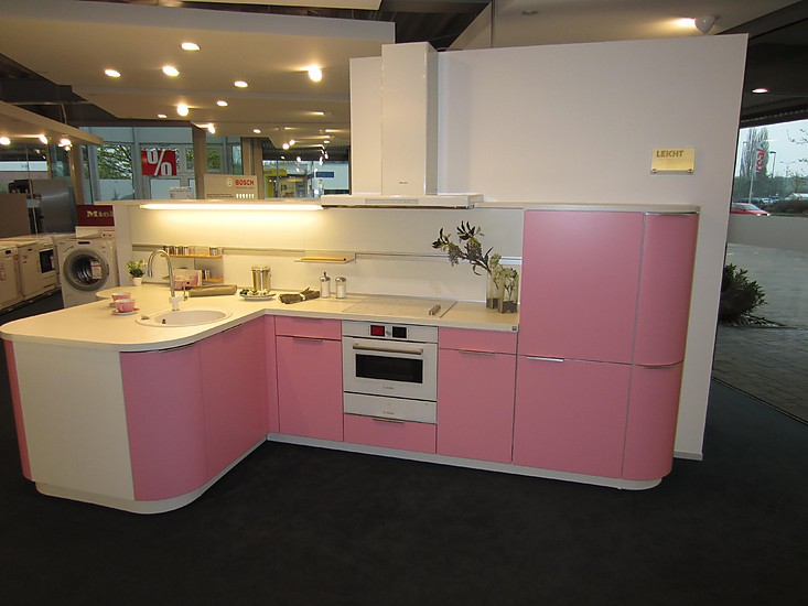 moderne retro k che in rosa. Black Bedroom Furniture Sets. Home Design Ideas
